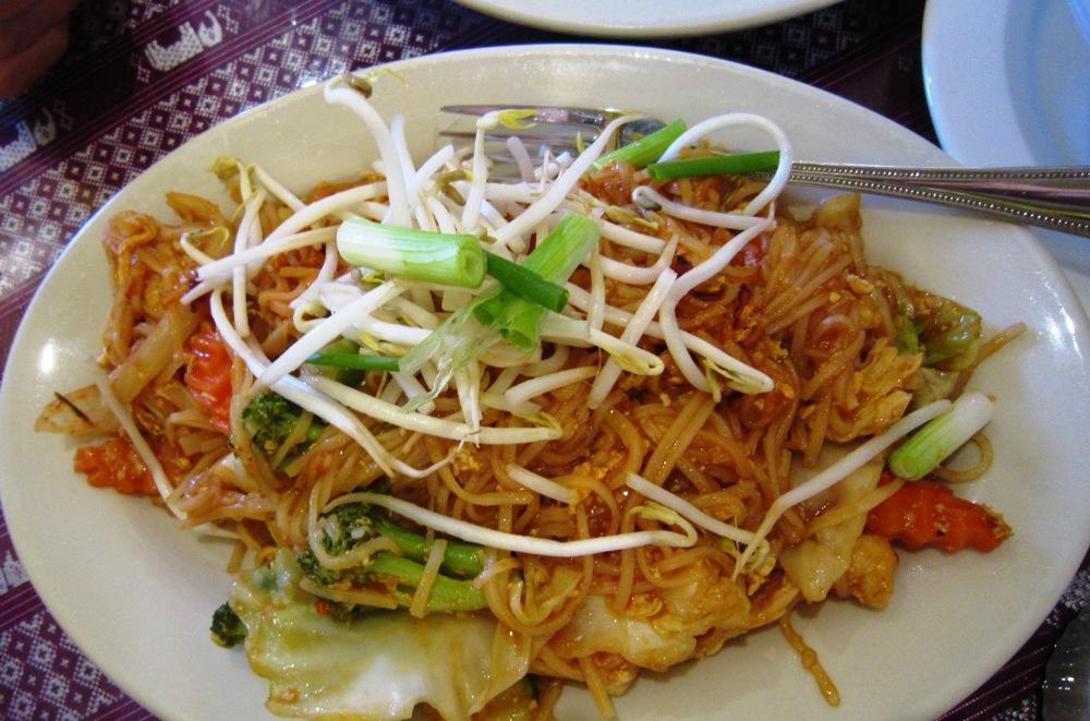 Naung Mai Pad Thai