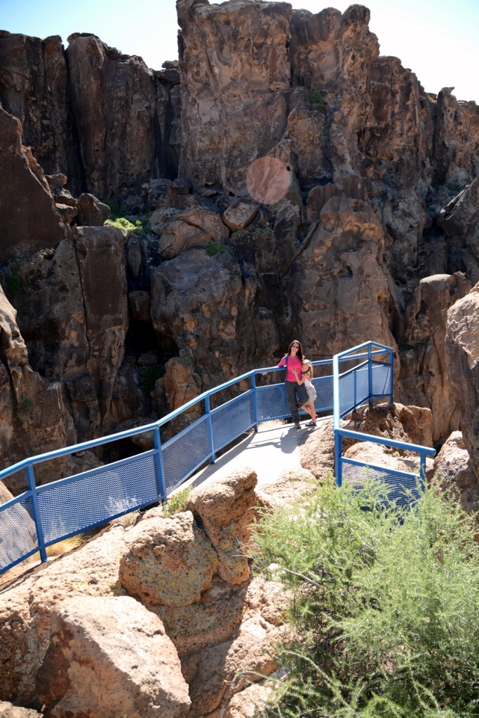 Hole-in-the-Wall Overlook 1